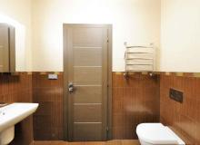 wewnętrzne drzwi do łazienki
